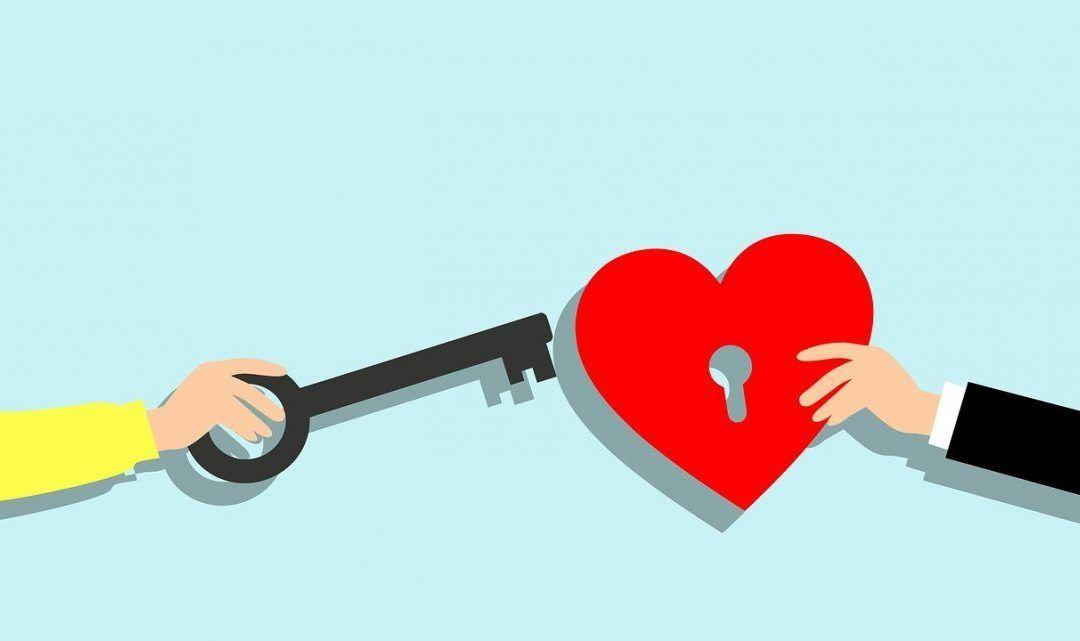 Reconocer el amor con un beso